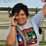 Carmen Lucia Pinto Guatemalteca 54 años Un poco poeta y mucho loca. Traductora inglés y francés. Agitadora social y  Chef de cocina. Soy licenciada en comercio internacional.